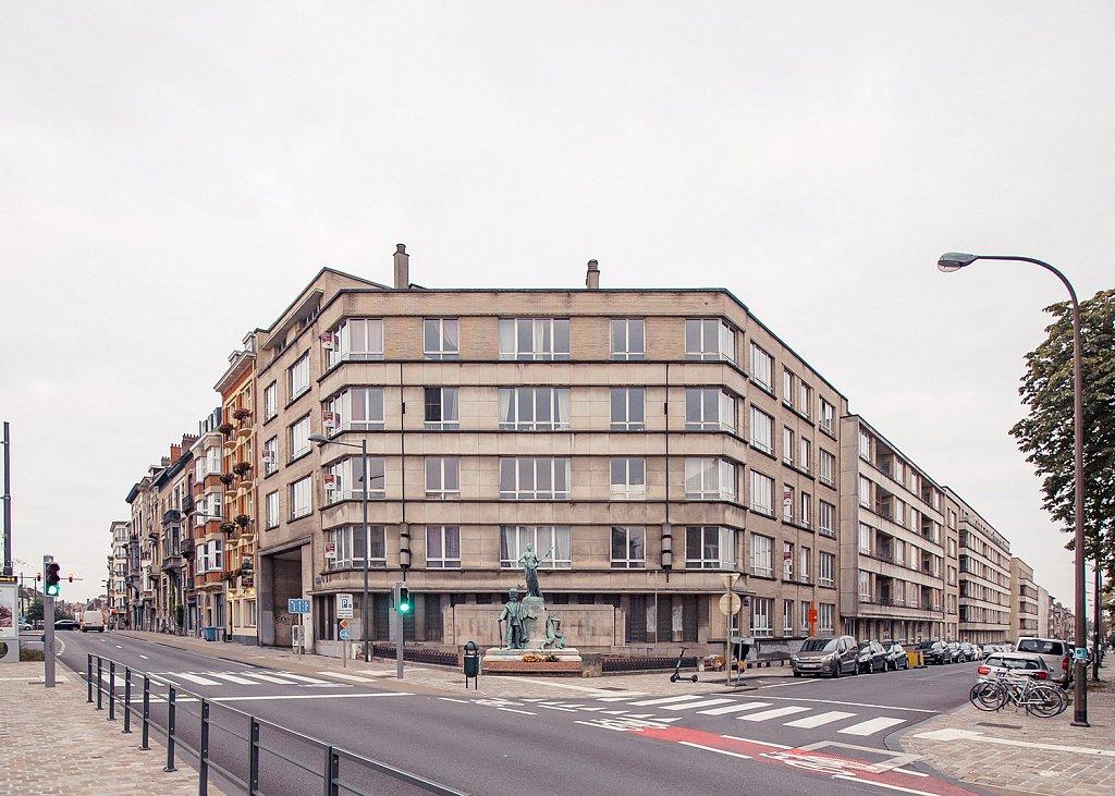 corner-facade-existing.jpg